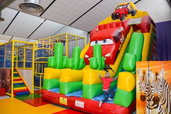 parc pour enfants - badaboum circus