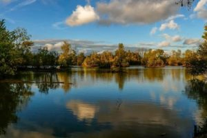 Le lac de maine d'Angers en plein jour