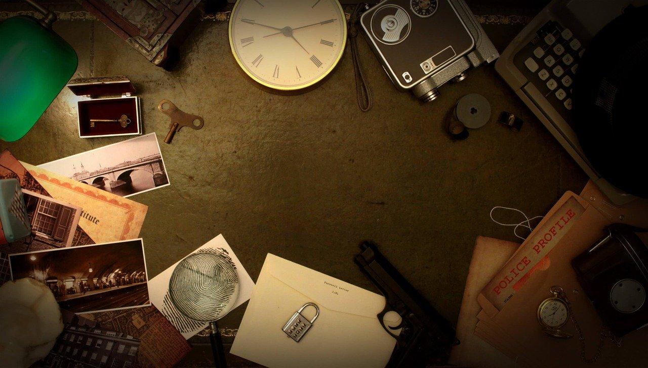 table contenant plusieurs indices pour réussir un escape game
