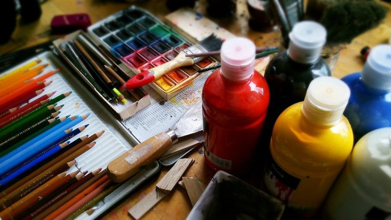Ustensile pour faire de la peinture
